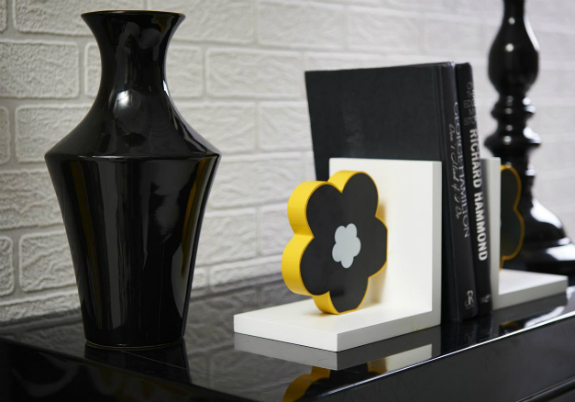 Carnaby black vase and flower bookends