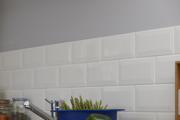 Your Guide to Fitting Wall Tiles | Wilkolife