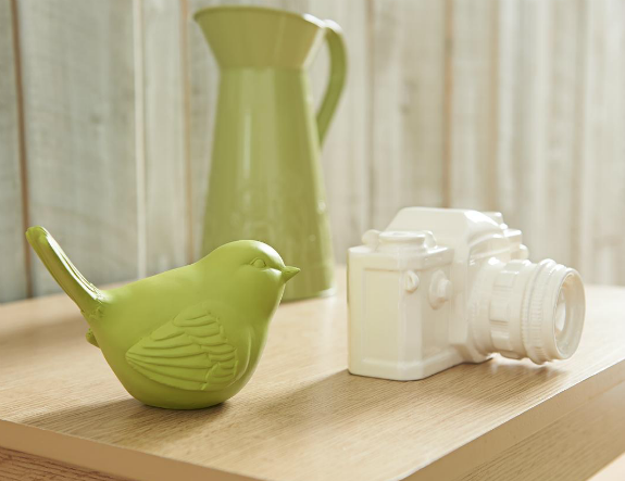 Camper bird, jug and camera ornaments