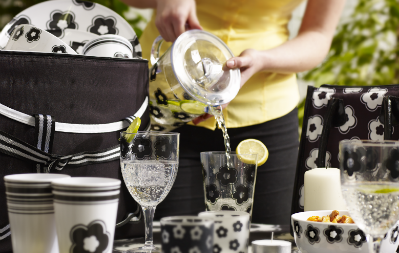 Carnaby picnic range - woman pouring drinks