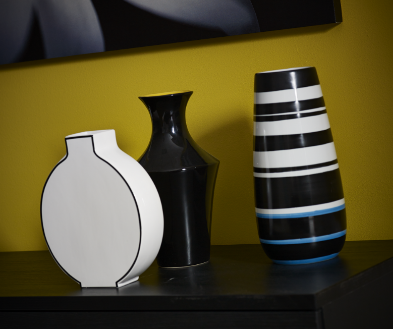 Black & white vases