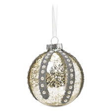 antique-style pearl bauble