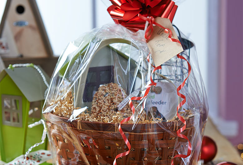 Birdwatcher's hamper
