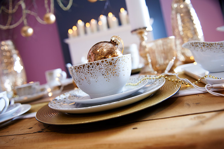Gold & white dinnerware place setting