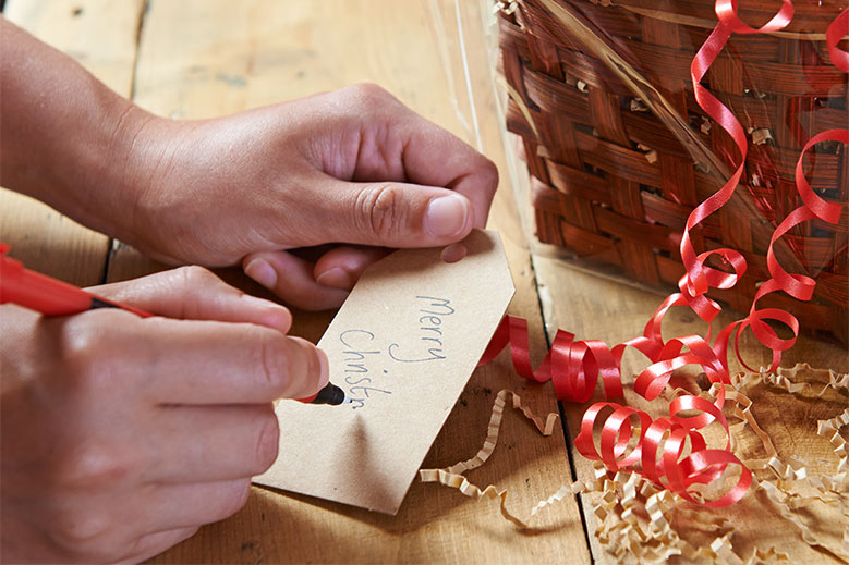 Write your gift tag and fix it to the hamper
