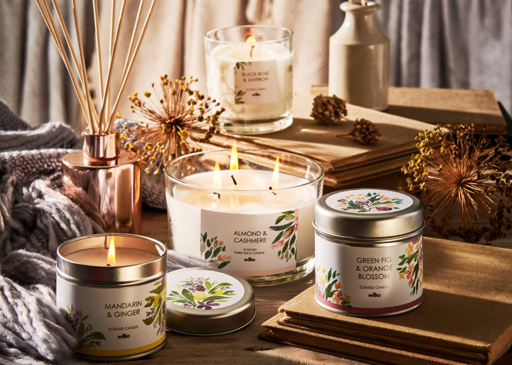 Christmas Candles.Creating Christmas Ambience With Festive Scents Wilkolife