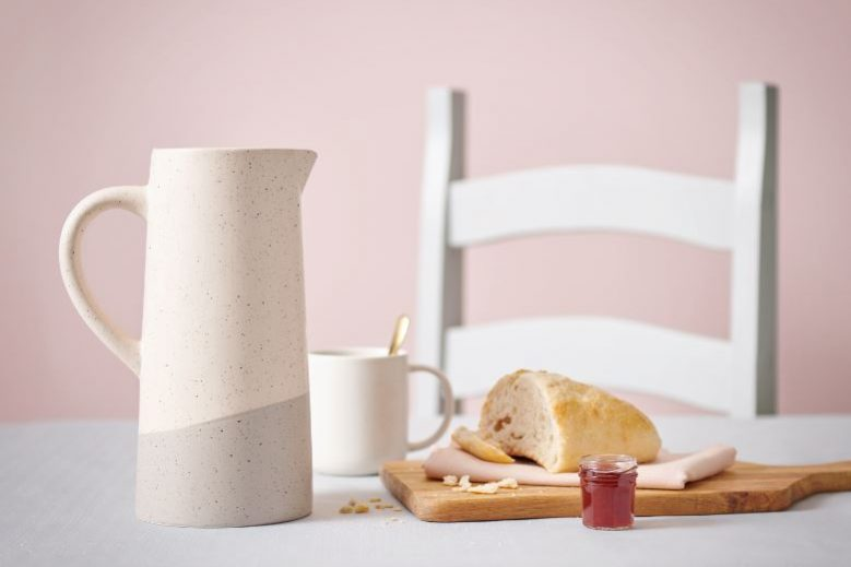 Wilko Pink Kitchenware Cream Vase and Chopping Board